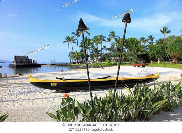 Hawaii, Big Island, Kailua-Kona, Kamakahonu Beach, outrigger canoe,