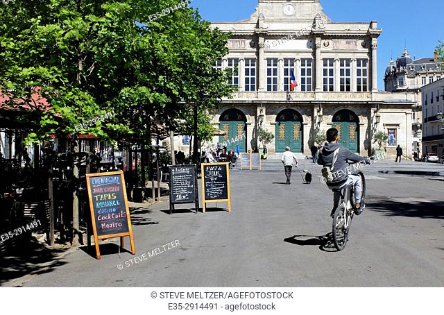 Doing a wheelie in Jean Jaures, Beziers, France and the Municipal Theatre