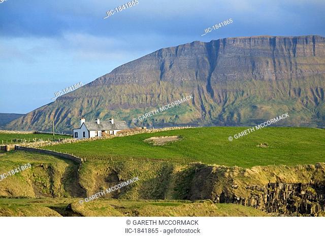Ben Bulben, Mullaghmore, Co Sligo, Ireland, House beneath Ben Bulben