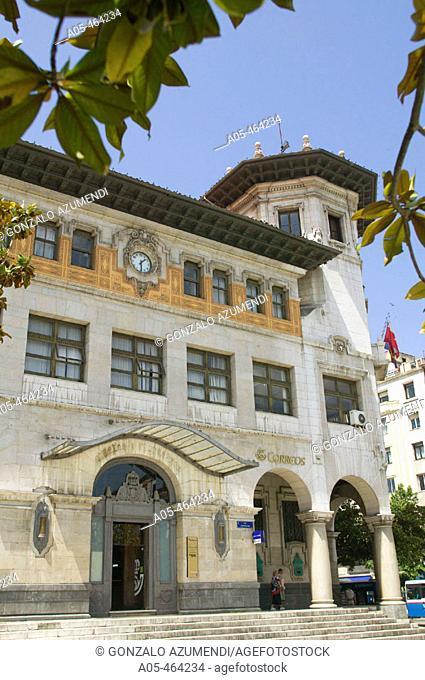 Edificio de Correos en Plaza de Alfonso XIII. Santander. Cantabria. Spain