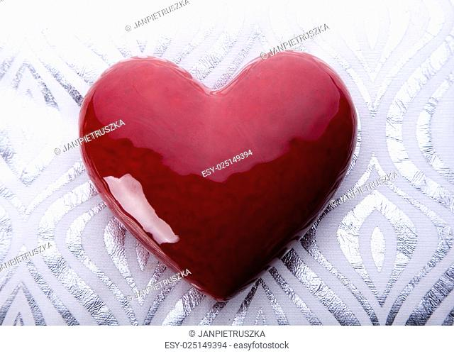 Red valentine heart, romantic bright tone theme