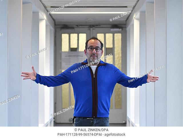 Barrie Kosky, manager and head director of the Komische Oper (lit. funny opera), poses in Berlin, Germany, 20 November 2017. Photo: Paul Zinken/dpa