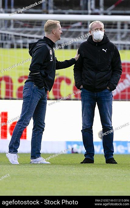 07 May 2021, Schleswig-Holstein, Kiel: Football: 2nd Bundesliga, Holstein Kiel - FC St. Pauli, Matchday 32, at Holsteinstadion. St