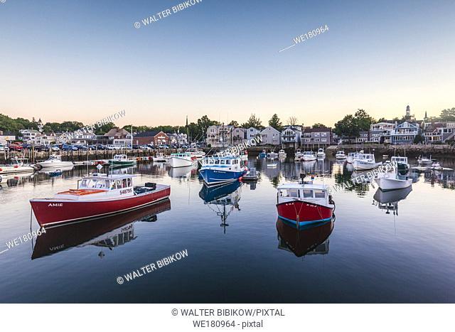 USA, New England, Massachusetts, Cape Ann, Rockport, Rockport Harbor, dusk