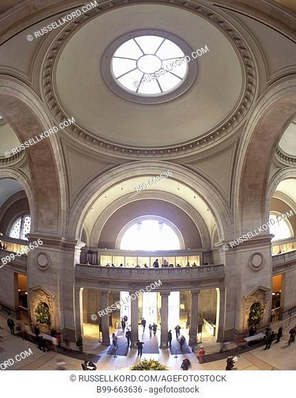 Main Entrance Hall, Metropolitan Museum Of Art, Manhattan, Nyc, USA