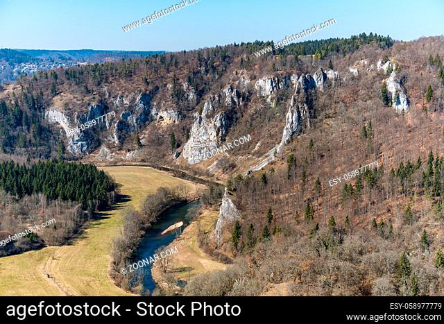 Spring hike in the beautiful Danube valley, along the Kallenberg castle ruins, to Bronnen Castle near Fridingen on the Danube
