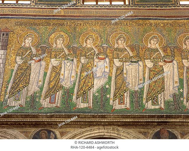 The 6th century mosaics in the Basilica of Sant'Apollinare Nuovo, Ravenna, UNESCO World Heritage Site, Emilia-Romagna, Italy, Europe