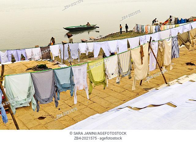 Washing clothes in the Ghats of Ganges river, Varanasi, Benares, Uttar Pradesh, India, Asia