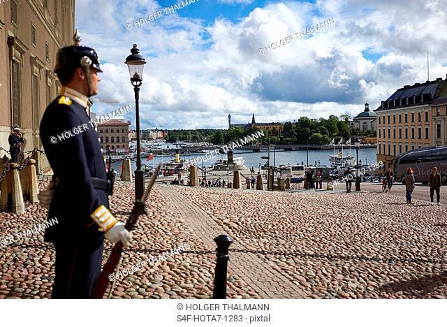 Schweden, Stockholm, Wache auf dem Schlossplatz