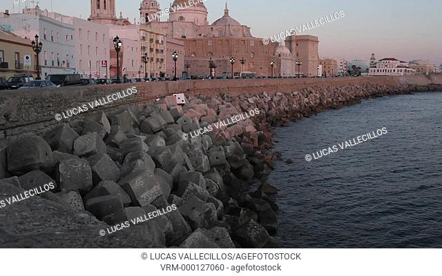 the cathedral and the levee in Campo del Sur. Cádiz, Andalusia, Spain