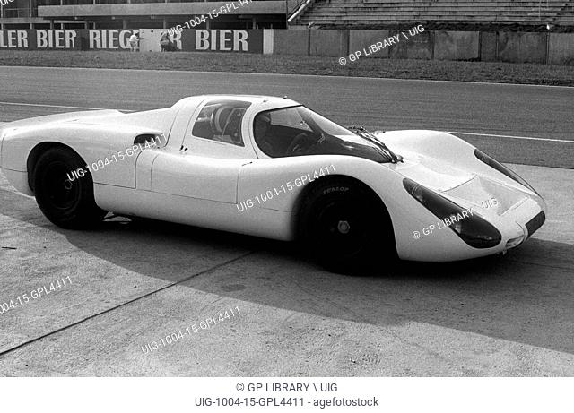 Porsche 907 on launch at the Hockenheimring, 1967
