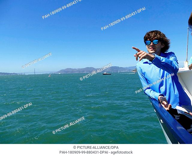 """08.09.2018,USA, San Francisco: The Dutchman Boyan Slat, founder of the initiative """"""""Ocean Cleanup"""""""", is on the press boat"""