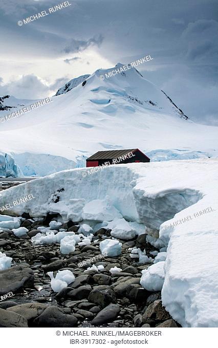 Port Lockroy research station, today a museum, Wiencke, Palmer Archipelago, Antarctica