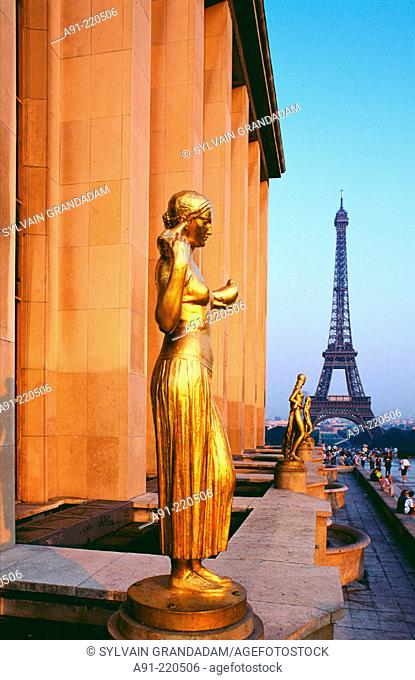 Eiffel Tower from Chaillot terrace. Paris. France