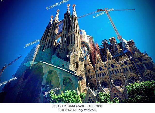 Basilica of the Sagrada Familia by Antonio Gaudí, Barcelona, Catalonia, Spain
