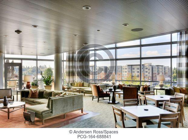 Upscale High Rise Lounge