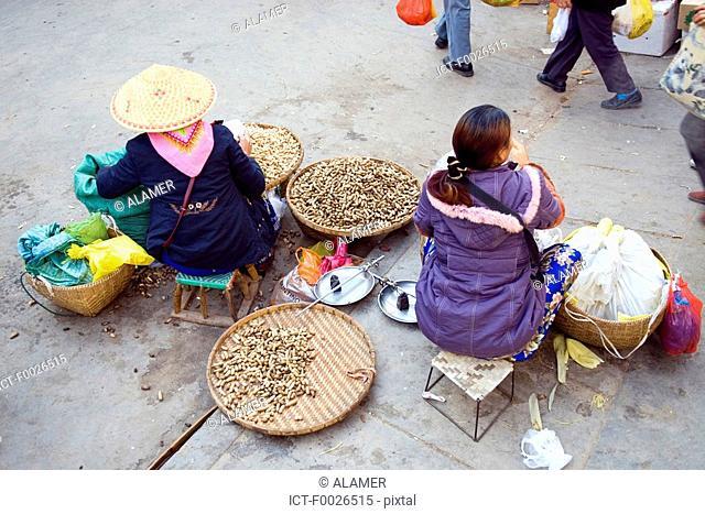 China, Yunnan, Xishuangbanna, Menghai, peanuts for sale