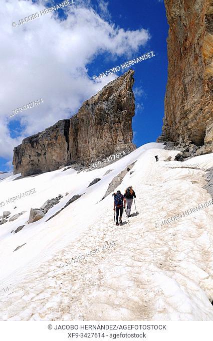 Brecha de Roldán. Ordesa y Monte Perdido National Park. Huesca province. Aragón. Spain