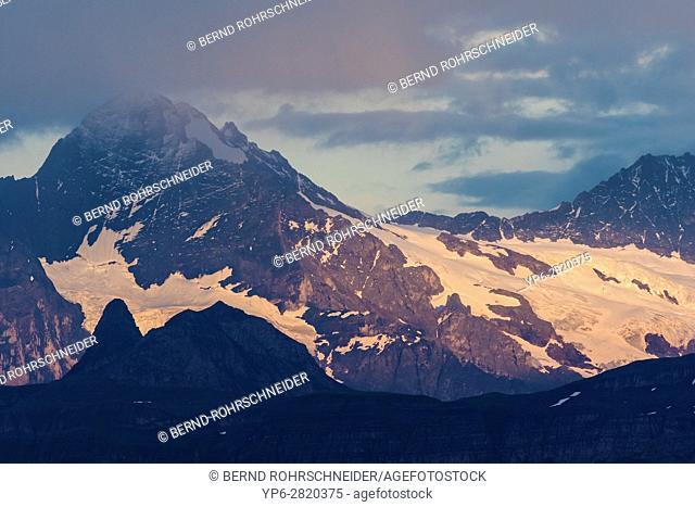 mountain landscape in evening light, view from Niederhorn, Bernese Oberland, Switzerland