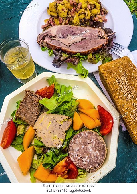 """France-Midi Pyrénnées-Gers- Goodies , .... """"""""rilletes de canard"""""""", """"""""Foie Gras de Canard"""""""", """"""""Cou de Canard farci"""""""", and in the other plat roast """"""""canard farci..."""