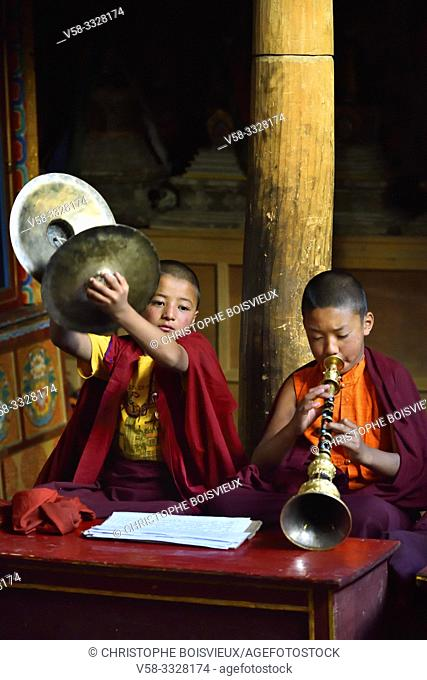 India, Jammu & Kashmir, Ladakh, Lamayuru monastery, Morning prayer