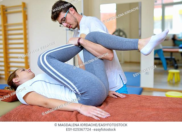 Physical therapist kinetotherapy and pacient