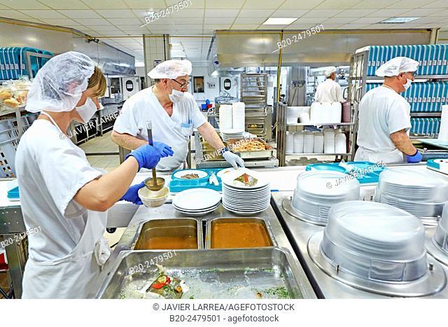Food serving line, Hospital meal preparation, Kitchen, Hospital Donostia, San Sebastian, Gipuzkoa, Basque Country, Spain
