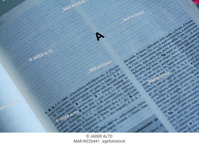 dizionario italiano, close up