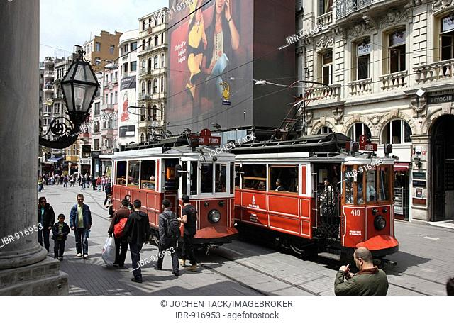 Tuenel tram on the shopping street Istiklal Caddesi, Beyoglu district, Istanbul, Turkey