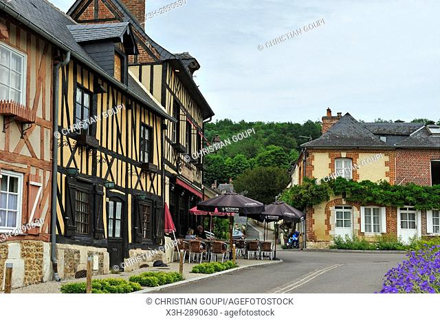 half-timbered house along the Abbe Herluin Square at Bec-Hellouin, labelled Les Plus Beaux Villages de France, Eure department, Normandie region, France, Europe