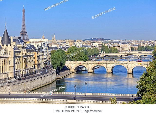 France, Paris, area listed as World Heritage by UNESCO, the pont neuf, the Eiffel Tower, the left bank and the Orsay museum in the background
