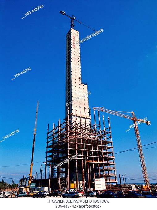 Mapfre Tower under construction. Barcelona, Spain (1992)