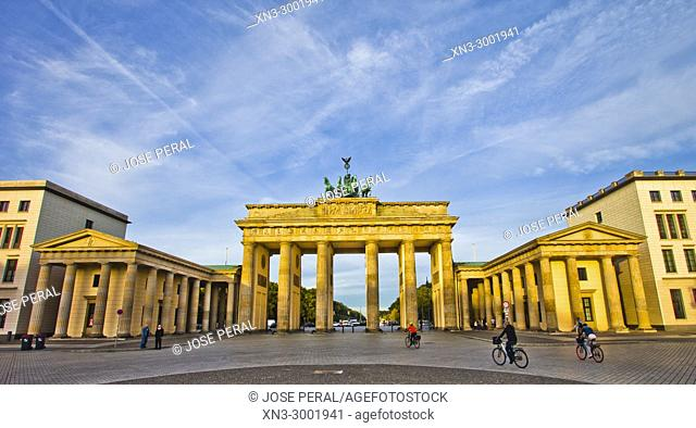 Brandenburg Gate, Brandenburger Tor, Pariser Platz, Berlin, Germany, Europe