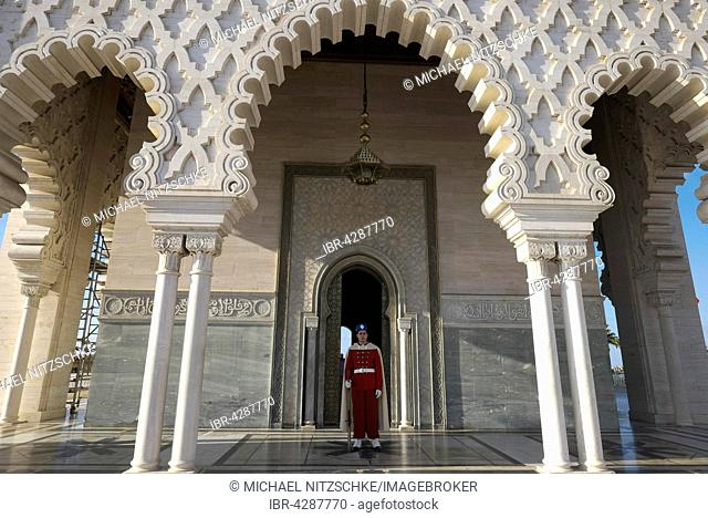 Guardsman in old Maghrebian uniform, Mausoleum of Mohammed V, UNESCO World Heritage Site, Rabat, Rabat province, Morocco