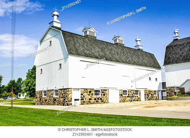 Traditional Mid-West US White painted Dutch barns