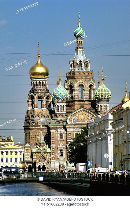 Russia, St  Petersburg, Griboyedova Canal, Church of Our Saviour on Spilled Blood in the background