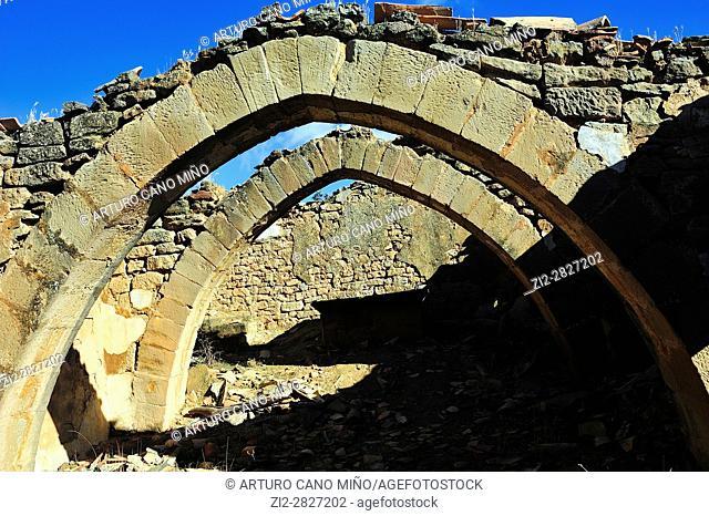 The ruins of the medieval shrine of San Esteban. Pointed archs. Ayera, Loporzano, Huesca province, Aragon, Spain