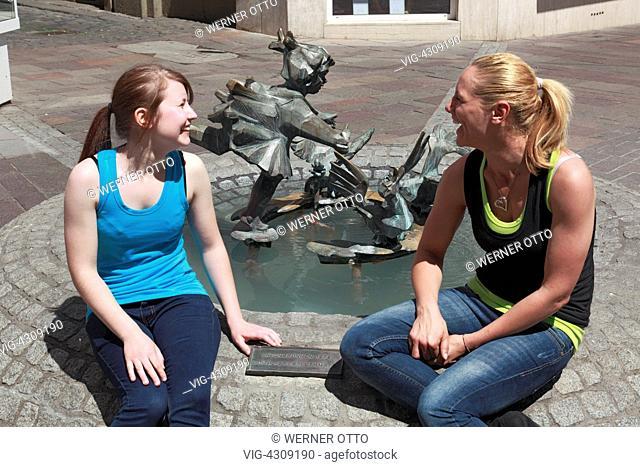 D-Koblenz, Rhine, Moselle, Maifeld, Eifel, Hunsrueck, Westerwald, Rhineland-Palatinate, old city, Entenpfuhl, Entenbrunnen by Edith Peres-Lethmate, ducks spring