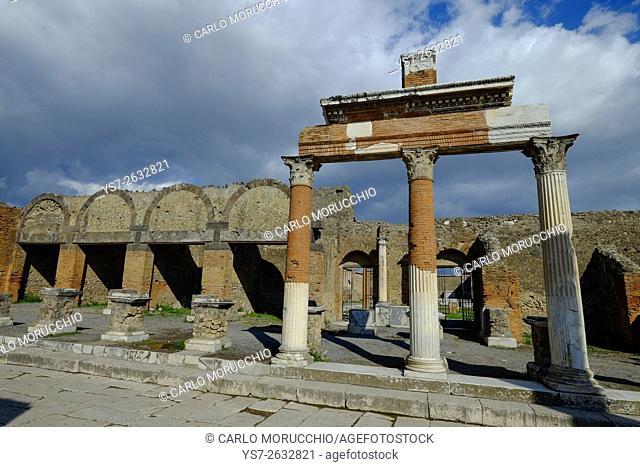 The Macellum, the Forum, Pompeii the ancient Roman town near Naples, Campania, Italy, Europe