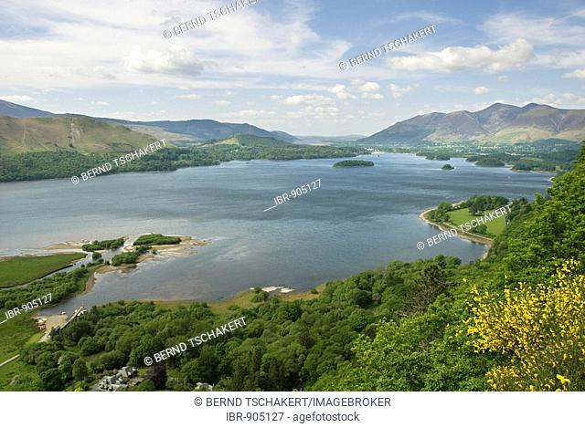 Lookout point, Surprise View, over Derwent Water in the Lake District, Cumbria, North England, Great Britain, Europe