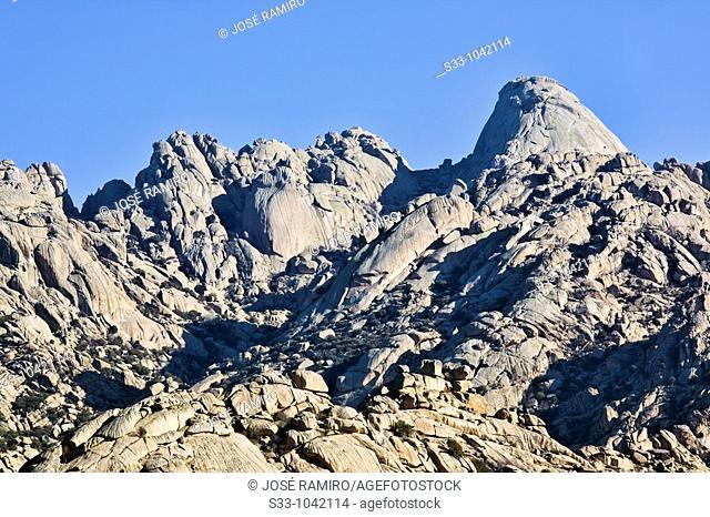 Risco del Yelmo en La Pedriza  Parque Regional de la Cuenca Alta del Manzanares  Manzanares el Real  Madrid  España