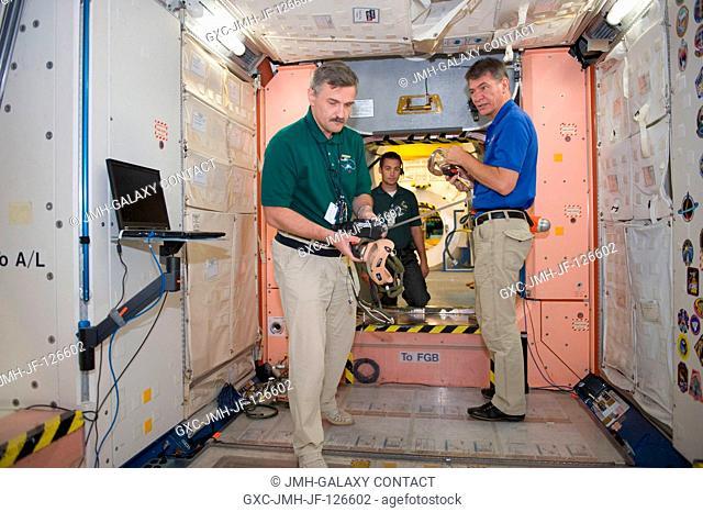 Russian cosmonaut Alexander Kaleri (left), Expedition 2526 flight engineer; and European Space Agency (ESA) astronaut Paolo Nespoli