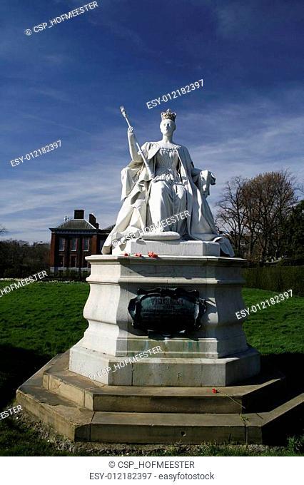 Queen Victoria (young) statue