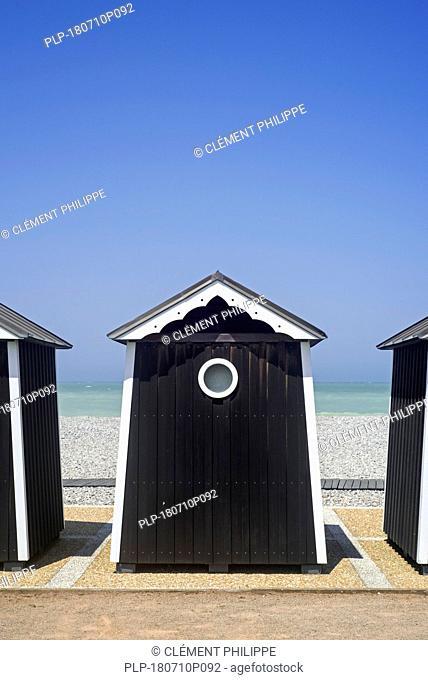 Beach cabins at seaside resort Sainte-Marguerite-sur-Mer along the North Sea coast, Seine-Maritime, Haute-Normandie, Côte d'Albâtre, Normandy, France