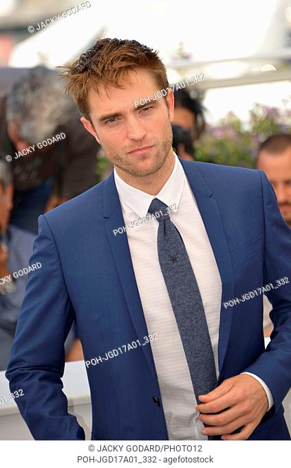"Robert Pattinson (Tie by Dior) Photocall of the film """"Good Time"""" 70th Cannes Film Festival May 25, 2017 Photo Jacky Godard"