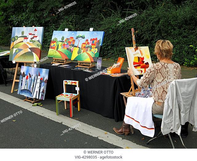 D-Krefeld, Rhine, Lower Rhine, Rhineland, North Rhine-Westphalia, NRW, Friedrich-Ebert-Strasse, street party -Summer Street- 2012