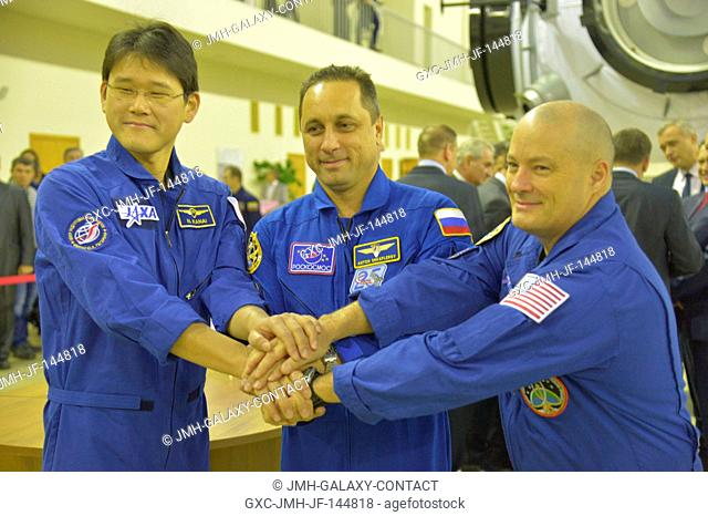 At the Gagarin Cosmonaut Training Center in Star City, Russia, Expedition 54-55 prime crewmembers Norishige Kanai of the Japan Aerospace Exploration Agency...