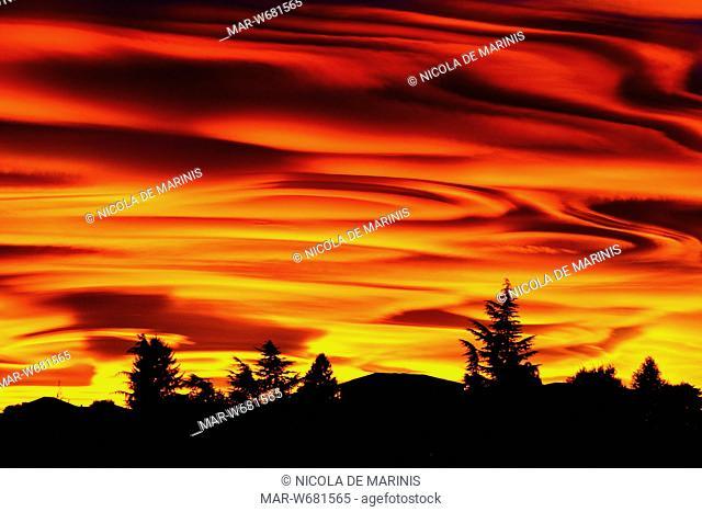 tramonto a como, lombardia