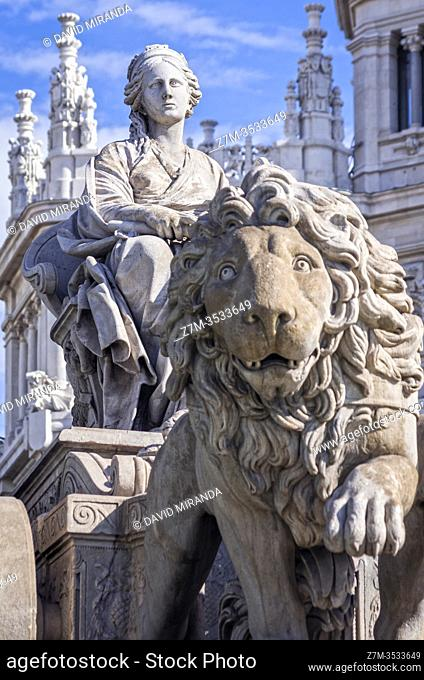 Fuente de Cibeles con el ayuntamiento al fondo. Paza de Cibeles. Madrid. España