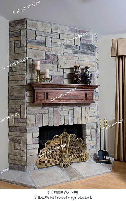 Brass Fan Fireplace Screen Stock Photos And Images Agefotostock
